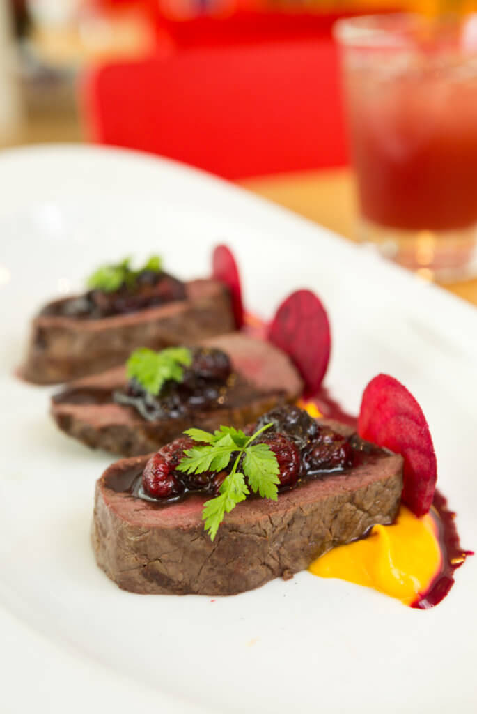 venison steak with raspberry sauce